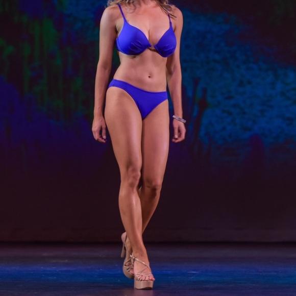 2c9facab21105 Cobalt Venus 34C   2 Enhancer Pageant Bikini 👙. M 5b7dec5215379502b8e69b00